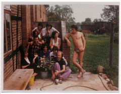 Wohngemeinschaft Fotoalbum (Rootzj) Tags: hippies 60s 70s wohngemeinschaft foundphotos kommune wohngruppe foundphotosnet