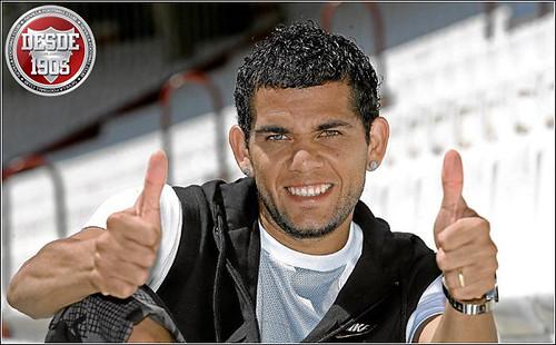 Daniel Alves, OK