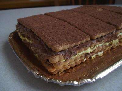 Torta con biscotti secchi oro saiwa