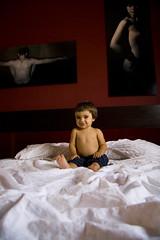 la familia al desnudo (cesareolarrosa) Tags: blanco luz wow nudes natural awesome great fotos zen caspe cecilia cuerpos cama habitacin japones posando cuadros desnudos canon30d cesareolarrosa