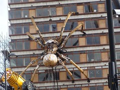 Biggest spider in the world. (philipgmayer) Tags: liverpool 2000 lamachine laprincesse