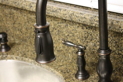 Granite Vs. Composite Sinks