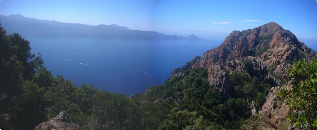 P1110273 Pano cima Castellaciu hacia Golfo de Porto