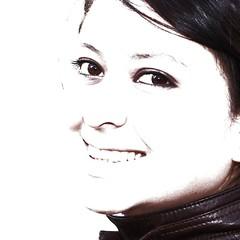 Yo misma! (EmyyDaniel) Tags: mujer retrato yo sonrisa felicidad mirada picnik alegra expresin enamorada plenitud
