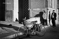 Afternoon chat (Alieh) Tags: shadow people man bike bicycle architecture persian chat iran talk persia iranian ایران esfahan isfahan دوچرخه اصفهان مسجد مردم jamee ایرانی masjed jamemosque aliehs alieh مسجدجامع ایرانیان پرشیا سایه عالیه اصفهانی سعادتپور سنگآب صحبت saadatpour