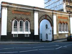 Entrance to Elgin Mews South, W9 (Tetramesh) Tags: tetramesh london uk england britain greatbritain unitedkingdom elginmewssouth randolphavenue maidavale w9 geo:lat=51529651 geo:lon=018563