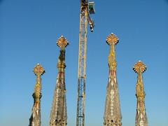 Barcelona 08-11 152 (Deve) Tags: barcelona church spain towers kirche baustelle gaudí catalunya sagradafamilia constructionsite kran türme spanien katalonien gaud