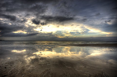 Last moments (Danil) Tags: ocean christmas sunset sky seascape beach landscape thailand nikon walk daniel d70s sigma romantic 1020mm could phangan highlife hdr kophangan hatyao kopangan pangan asai kohpahngan