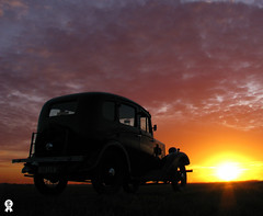 Big sky, little Morris (Rich007) Tags: uk greatbritain sunset england cloud sun classic car clouds 1936 vintage evening thirties 1930s classiccar vintagecar europe unitedkingdom britain dusk 8 gb getty vehicle morris saloon eight peterborough cambridgeshire gettyimages eastanglia motoring historiccar morriseight morris8 autoglamma historicvehicle eosdeurope