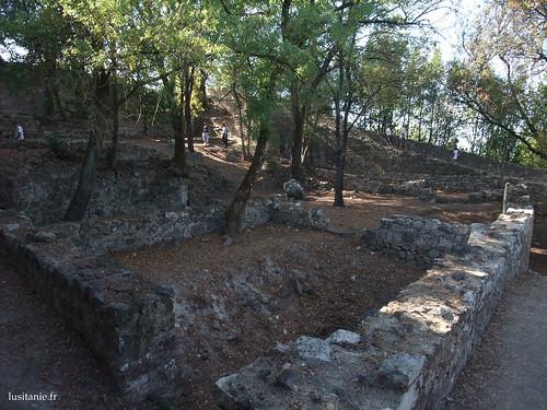 O castelo não era mais do que um campo de ruínas no início do século XX