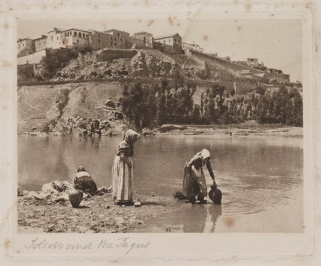 Toledo y el Tajo. Foto de James A. Sinclair hacia 1899. The Royal Photographic Society