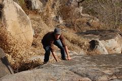Jan beim erklimmen der Felsen