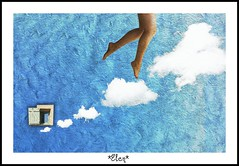 Stair to heaven (Elen) Tags: sky clouds ventana puerta escalera cielo nube piernas elen