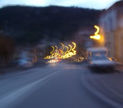 flou (fablibre) Tags: macro jaune truck camion phare chaise flou ardeche gard mouvement pissenlit ogm colza