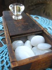 Old wooden slider box w/white stones (Tricia Breidenthal) Tags: wood box antique slider woodenbox whitestones glassknob ihearthome