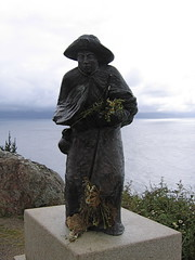 "Finisterre Pilgrim • <a style=""font-size:0.8em;"" href=""http://www.flickr.com/photos/48277923@N00/2625707819/"" target=""_blank"">View on Flickr</a>"