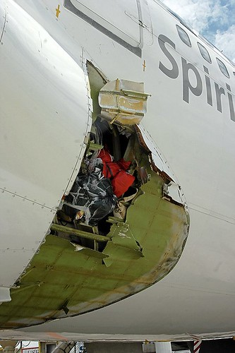 Qantas flight 30 damage, photo by www.mirefoot.co.uk's, http://www.flickr.com/photos/self_catering_cottages_in_the_lake_district/sets/