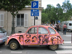 Stencil on 2CV (tofz4u) Tags: streetart paris stencil parking citroen 2cv 75004 pochoir artderue explored parcgard