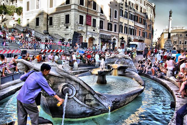 Fontana della Barcaccia - Piazza di Spagna, Roma