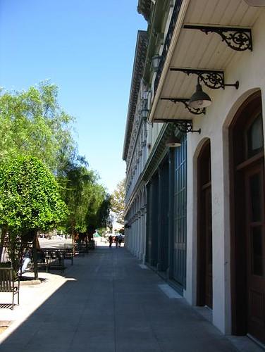 歐維拉街旁的歷史建築ii.JPG