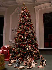 Feliz Navidad (Jan Ronald Crans) Tags: chile christmas tree chili christmastree presents 2008 cadeautjes kerstboom kerst kerstfeest nativityscene stal felixnavidad flickrclassique