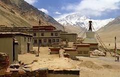 Jomo Langma or Mt Everest, Rongbuk (reurinkjan) Tags: 2002 nikon tibet everest rongbuk tingri jomolangma tibetanlandscape janreurink བོད། བོད་ལྗོངས།