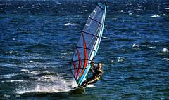 volando sobre el mar.............. (PHENIX.) Tags: nikon nikond50 personas vela hdr santander cantabria deportes mares windsurf oceanos marcantabrico bahiadesantander deportesdeagua phenixsantander