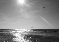 St.Peter Ording - Nordsee (chicitoloco) Tags: sunset kite beach water strand sand agua wasser sonnenuntergang surfing kites shore ufer sonne nordsee kste kitesurfer stpeterording sandstrand nordseekste chicitoloco