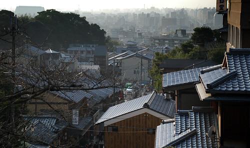 Desde la cima de la montaña. Kyomizu. Templos (2). Kyoto Tales (5)