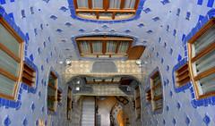 Barcelona - Patio interior (Casa Batll) (Xver) Tags: barcelona espaa casa spain europa europe gaudi modernismo spanien batllo nikond40