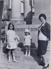 Mama,maria y yo estatua jardines