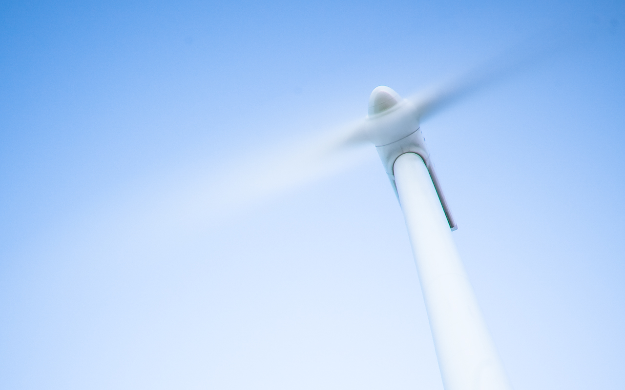 Spinning wind power