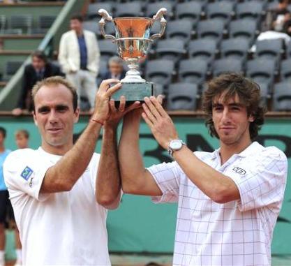 Luis Horna y Pablo Cuevas, campeones Roland Garros