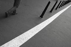 Passeggiata di Praga (Lazzaro75) Tags: praga bianconero federico passeggiata marciapiede lazzaro bwdreams micheli 400d bnvitadistrada bncittà bnminimalismo ysplix ysplixblack