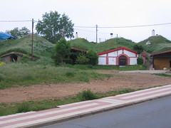 "Hobbit Houses Leaving Leon • <a style=""font-size:0.8em;"" href=""http://www.flickr.com/photos/48277923@N00/2623035966/"" target=""_blank"">View on Flickr</a>"