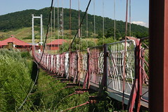 over the gap (flaccphotography) Tags: bridge wind gap cable flimsy shakey tossed
