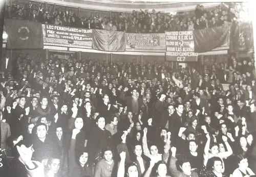 Acto del Frente Popular en el Teatro de Rojas, Toledo. Fotografía Rodríguez