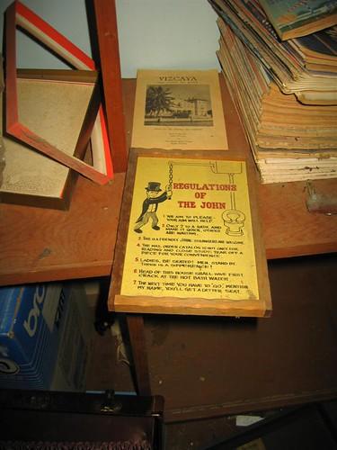 Unusual sign on a bookshelf