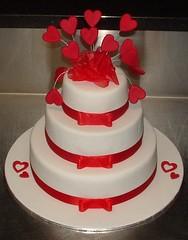 2691020912 60be7c88fc m Baú de ideias: Casamento vermelho e branco