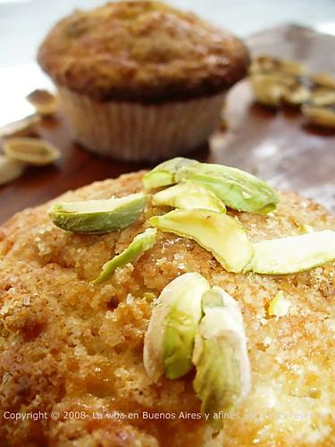 pistachio & cardamom muffins