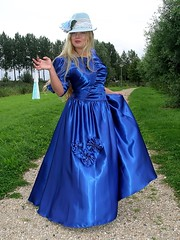 Well done Laila! (Paula Satijn) Tags: blue beauty hat hair shiny dress gown satin bluedress bluehat ballgown bluegown