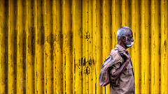 Madurai Yellow (Henk oochappan) Tags: madurai 2009 oochappan travel tamillifeculture asia city dravidian maduraicitylife tamilnadu tamil southindia india indianphotography img3091