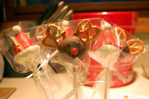 Christmas Cupcake Pops 02