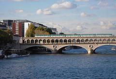 2008.11.03.037 - Paris -  le pont de Bercy (alainmichot93) Tags: paris france building seine architecture 75 2008 iledefrance immeuble fleuve laseine pontdebercy mtropolitain ouvragedart xixmesicle xxmesicle paris13mearrondissement paris12mearrondissement