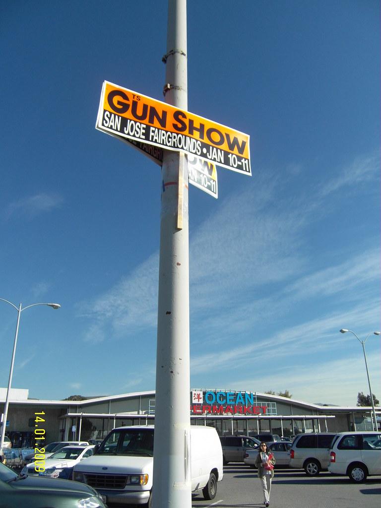 [14/365] Gun Show, San Jose. Why? Who?