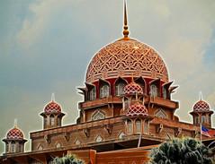Ramadhan Al-Mubarak (Zaqqy J.) Tags: tree work point muslim mosque doom putrajayamosque zaq olympuse410 fractalius ramadhanalmubarak zaqqy