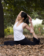 Mari (minimalized) Tags: yoga asana yogapose  yogaasana minimalized helloyoga yogainjapan yogaintokyo benjaminrobins