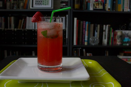 strawberry basil spritzer