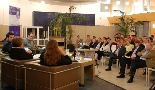 Mehr als 100 Zuhörer nahmen an der Veranstaltung teil. Viele von ihnen beteiligten sich an der regen Diskussion.