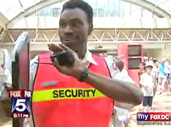 DC Security Guard Interupts Fox5 News Story on...